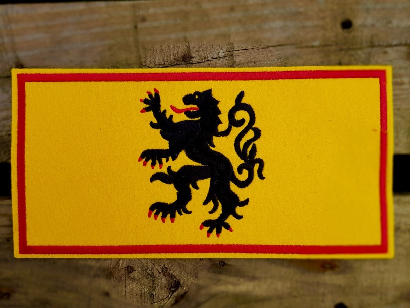 ecusson-drapeau-m-1693